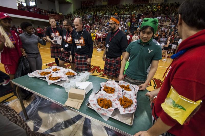 Teachers and students prepare themselves to chow down. Photo by Jack Steele Mattingly