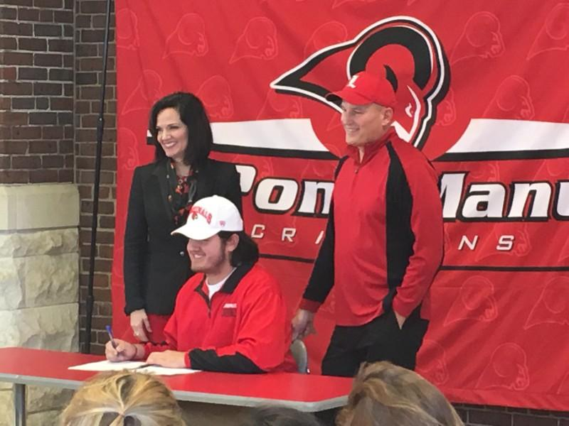 Derek Dorsey signed to play football at the University of Louisville